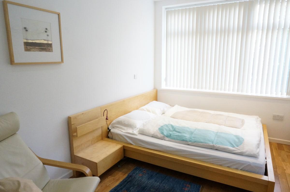 Quiet studio-apartment, Manchester