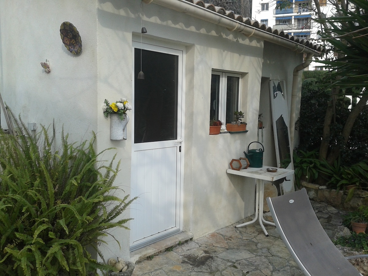 location charmant cabanon 14 m2