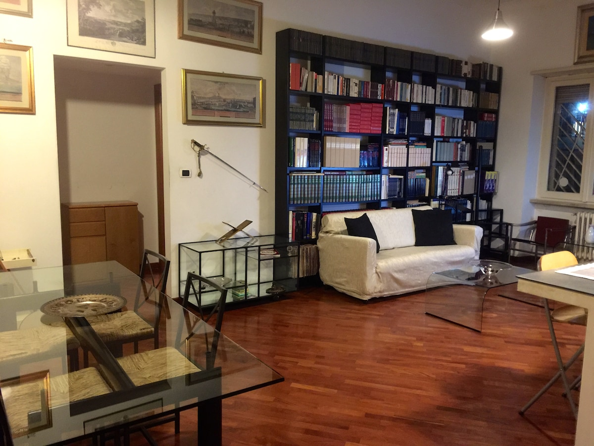 Flat in Center 2km from Trastevere