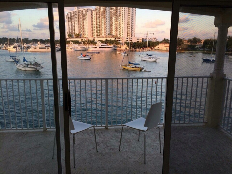 Charming WATERFRONT 1BR South Beach