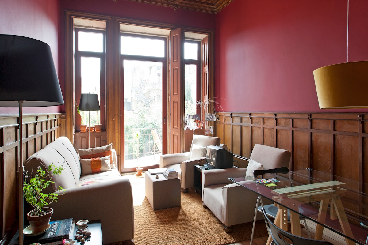 Room in Charming House Center Porto