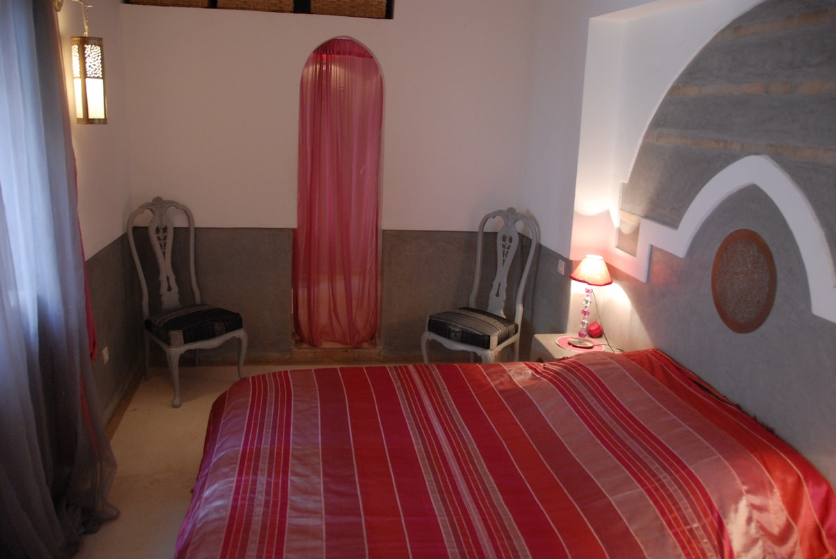 The Pink Suite (2)
