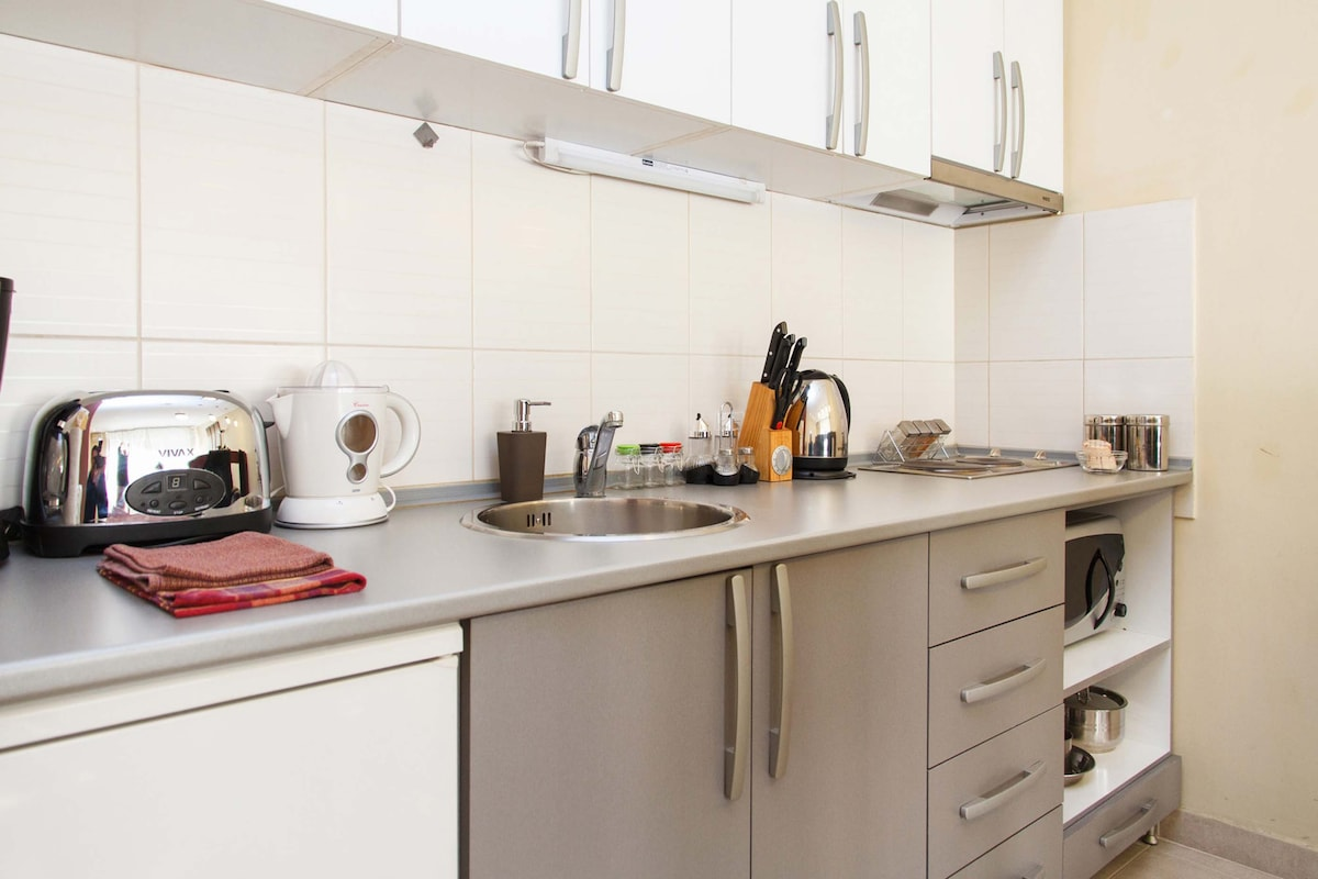 Fully furnished kitchen with microwave, filter coffee machine and other needed accessories