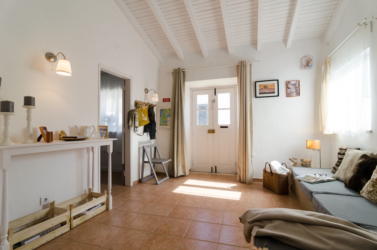 1 Bedroom Cosy Beach Cottage