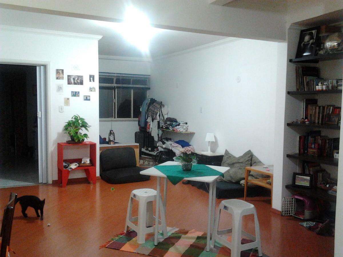 Studio in artistic/bohemian area