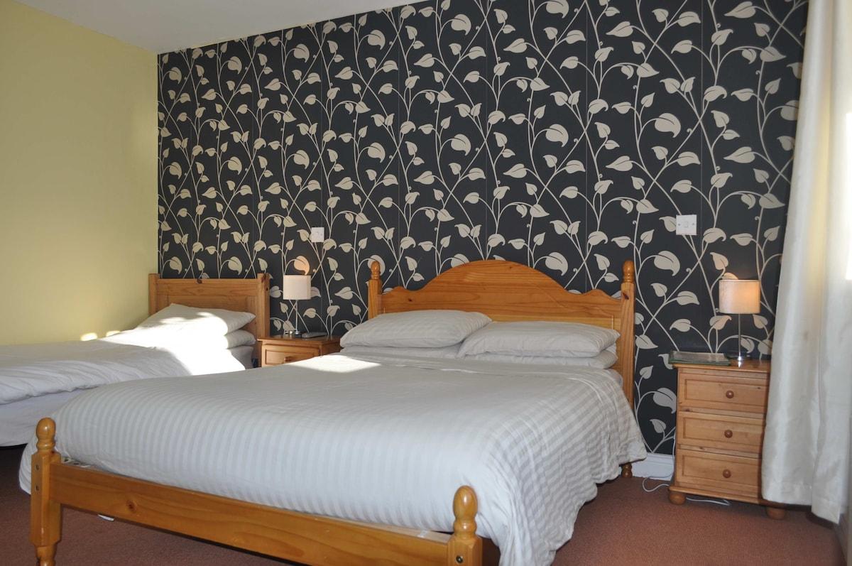 Private Room for 2 in Brittas Bay