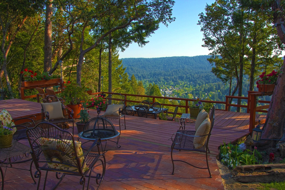 Enjoy the front deck with its breath taking views.