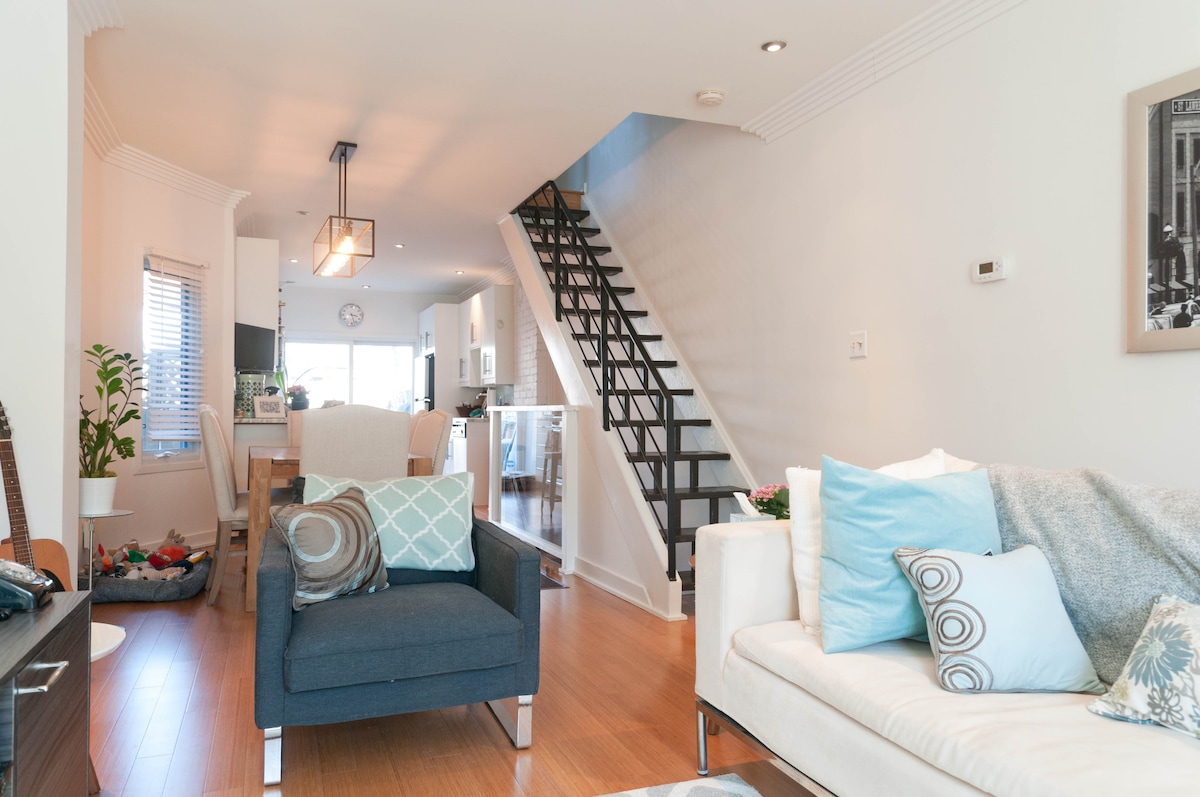 1BD in the Heart of Leslieville