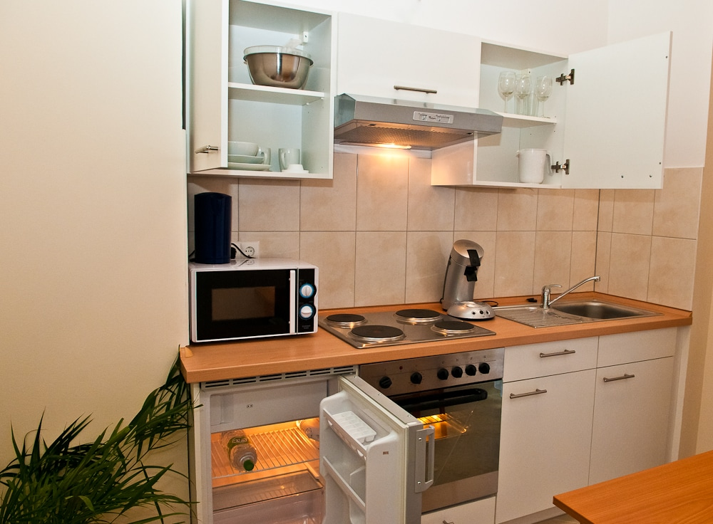2 Room Apartment near Messe and HBf