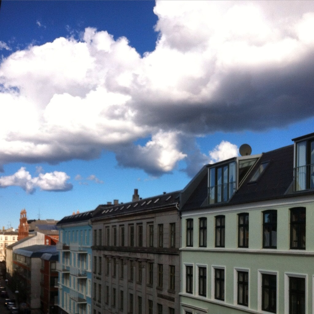 Sunkissed apartment, central Cph