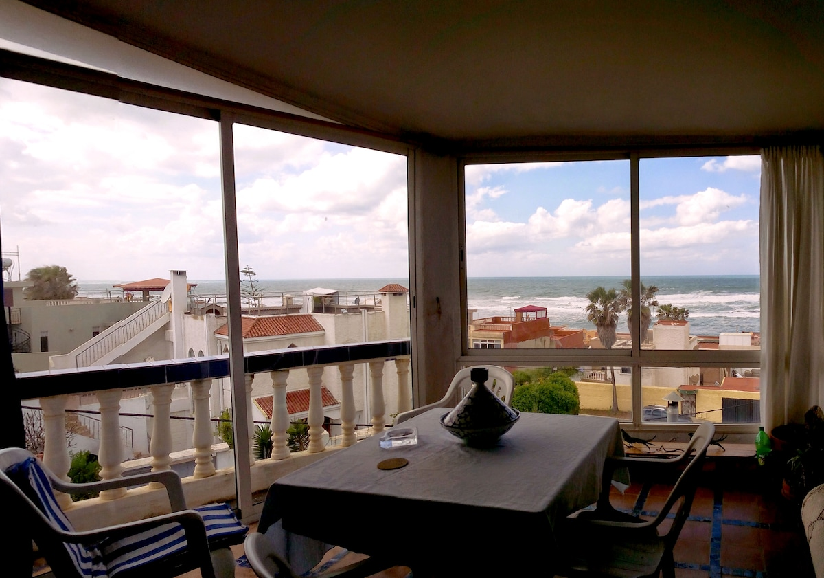 Seaside villa - with vue and garden