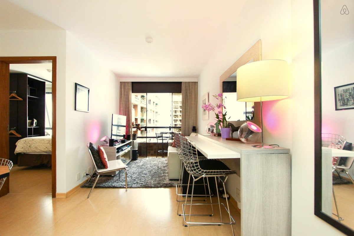 Modern & Equipped Flat in Pinheiros