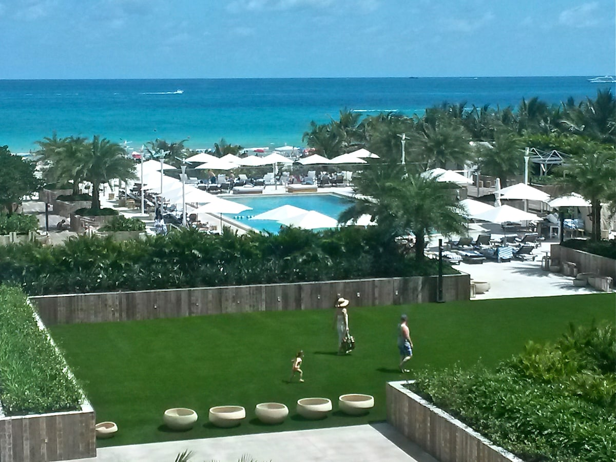 The view from the apartment to the South pool and the ocean