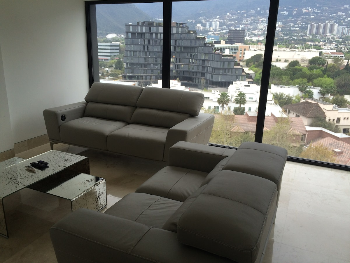 Room in Pent House