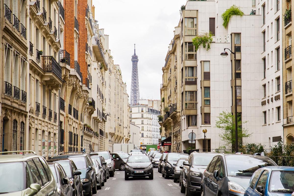 EIFFEL TOWER  Parisian studio