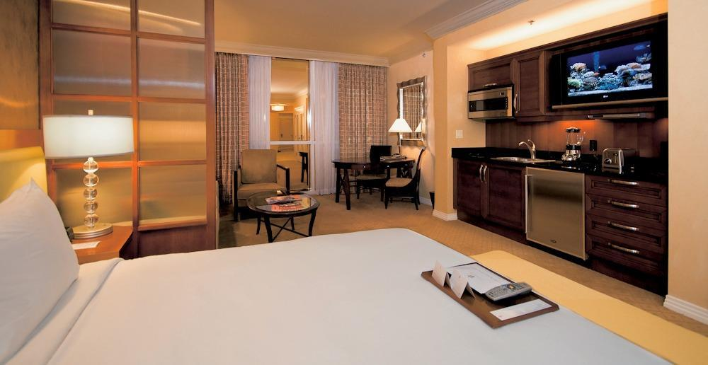 houseofaura mgm signature 2 bedroom balcony suite