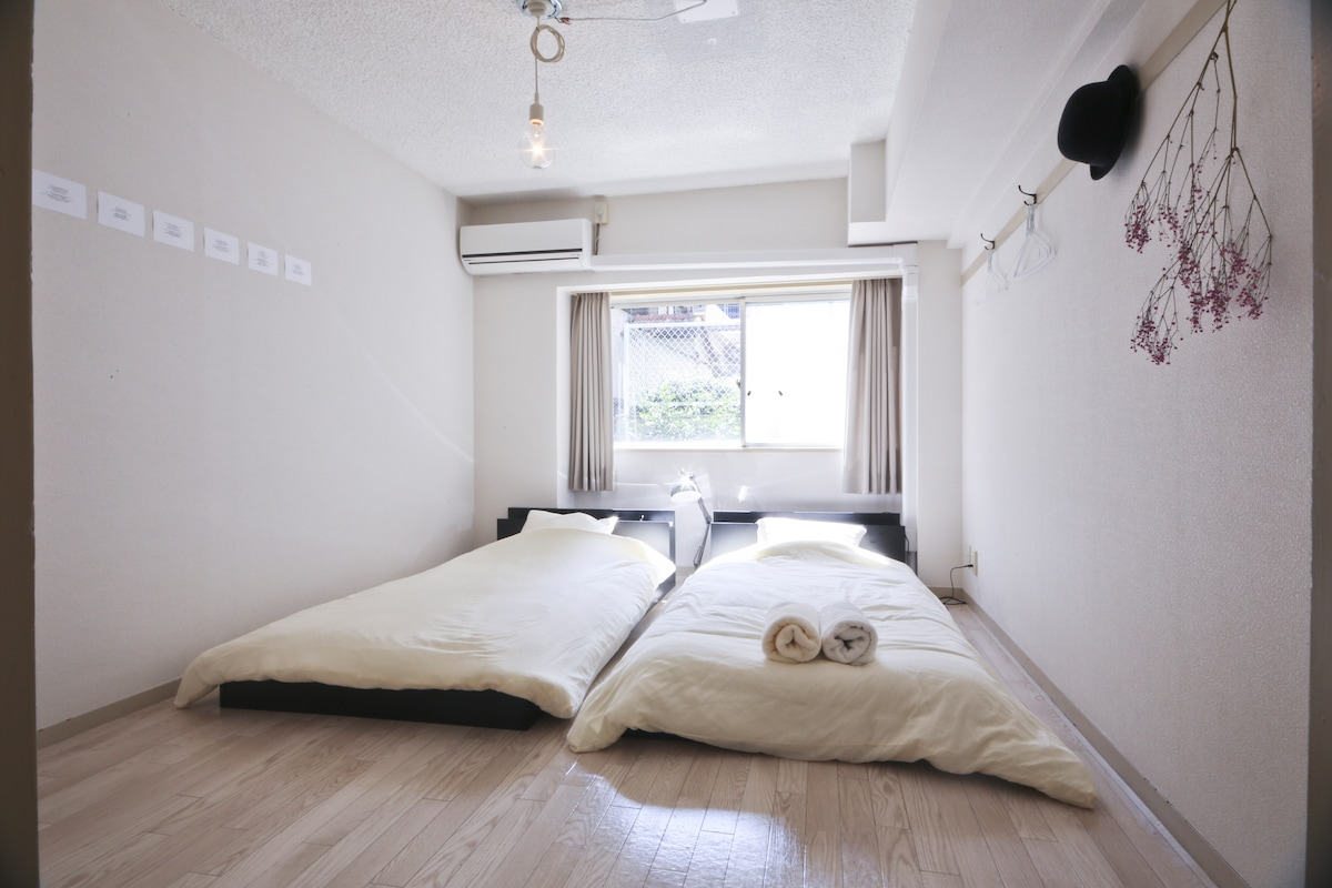 ③Cafe & room(Shibuya/Sangenjaya)