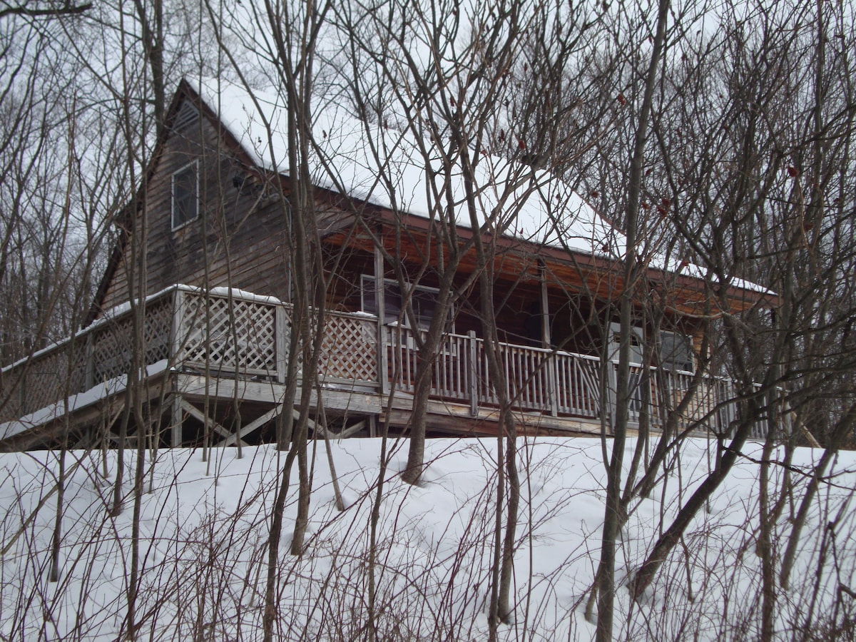 Nicely Appointed Cabin-PA Mountains