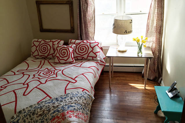 Small bedroom with  Queen mattress