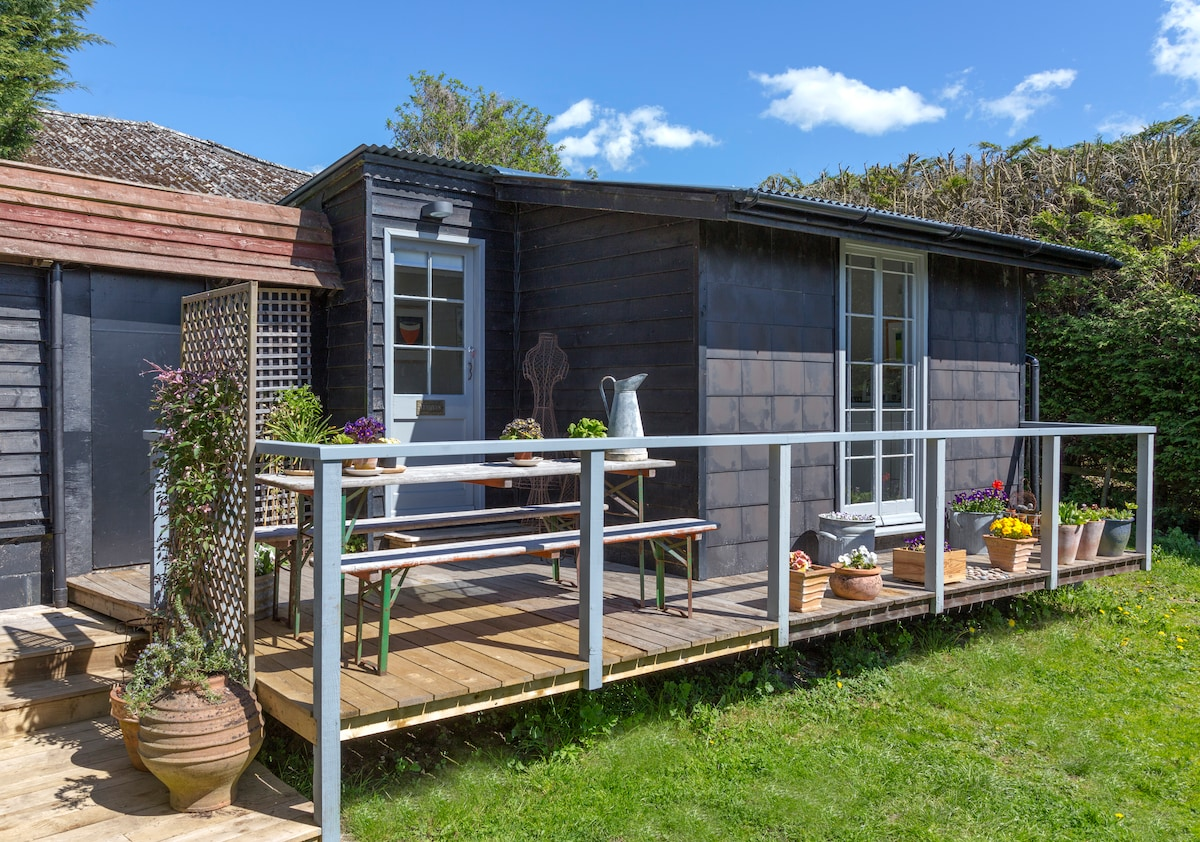 Romantic studio with verandah