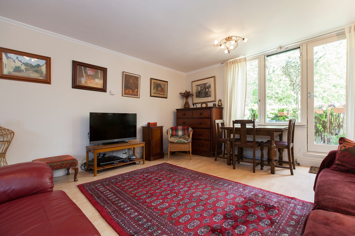 Large bright dbl room Notting Hill