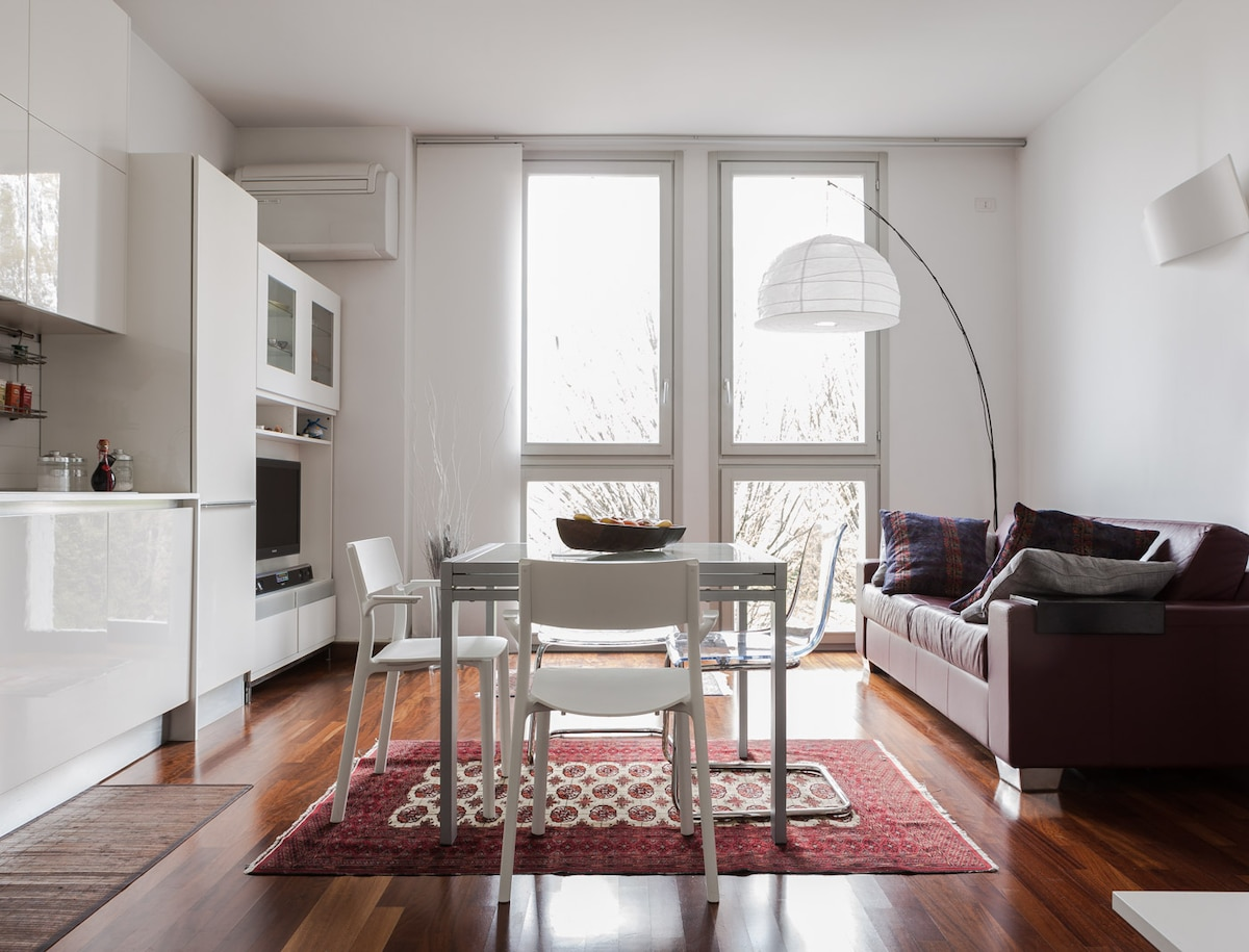 Bright room in charming location
