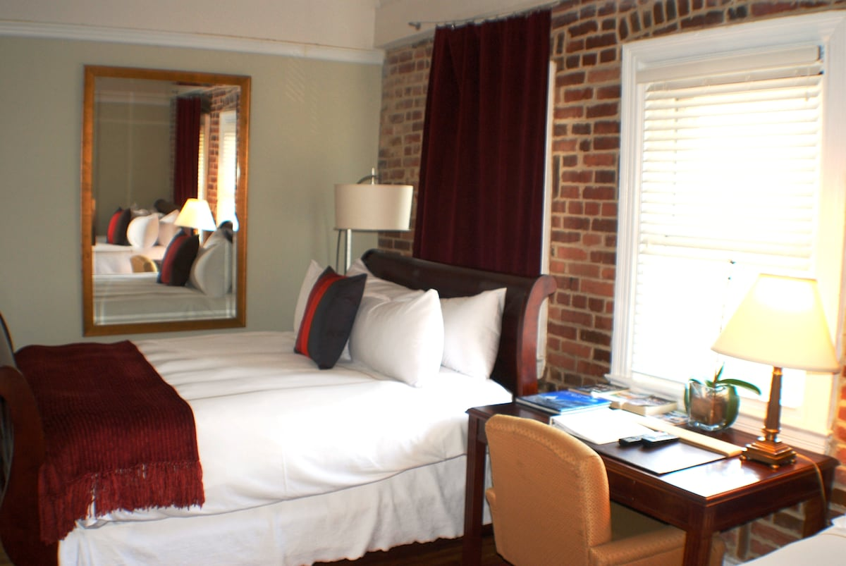 Writing Desk on the 3rd Floor Suite