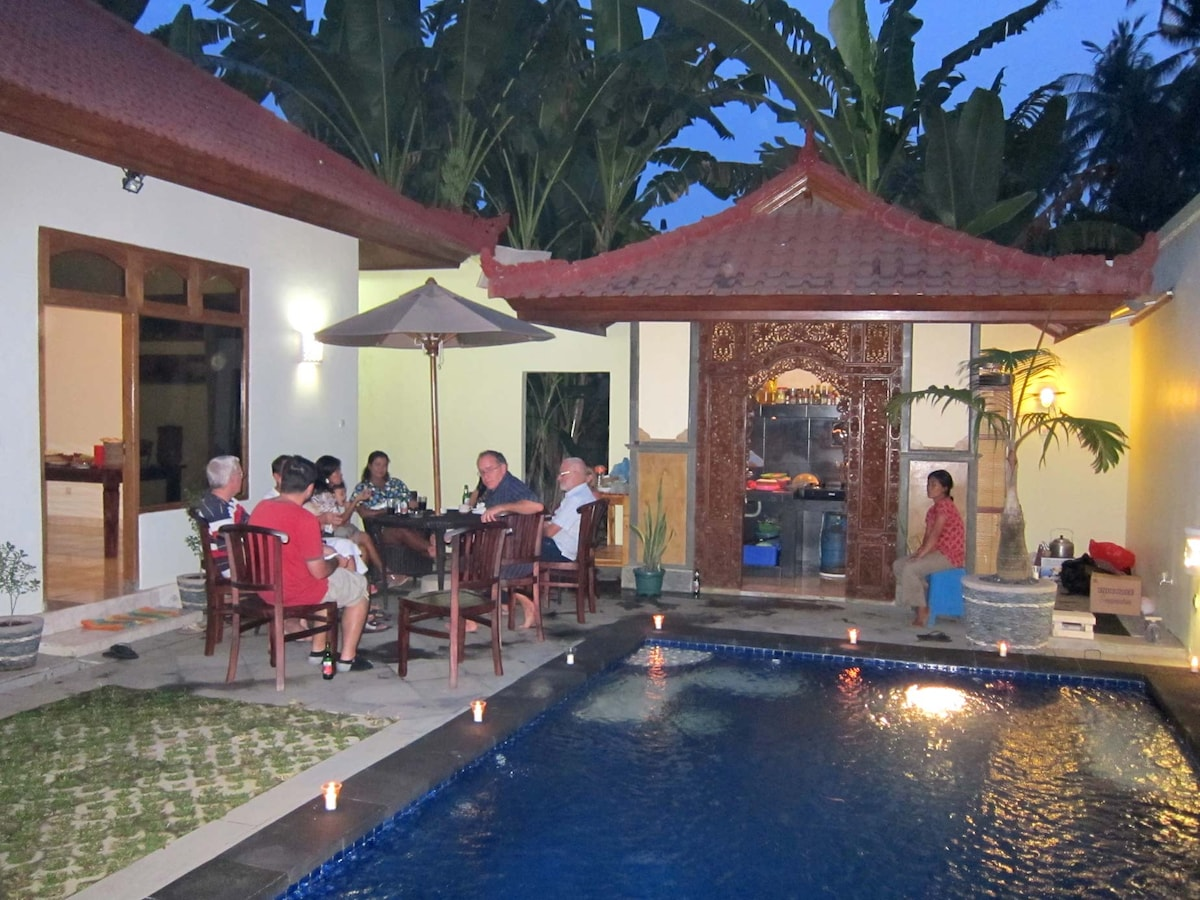 Spacious yet Intimate with outdoor Kitichen