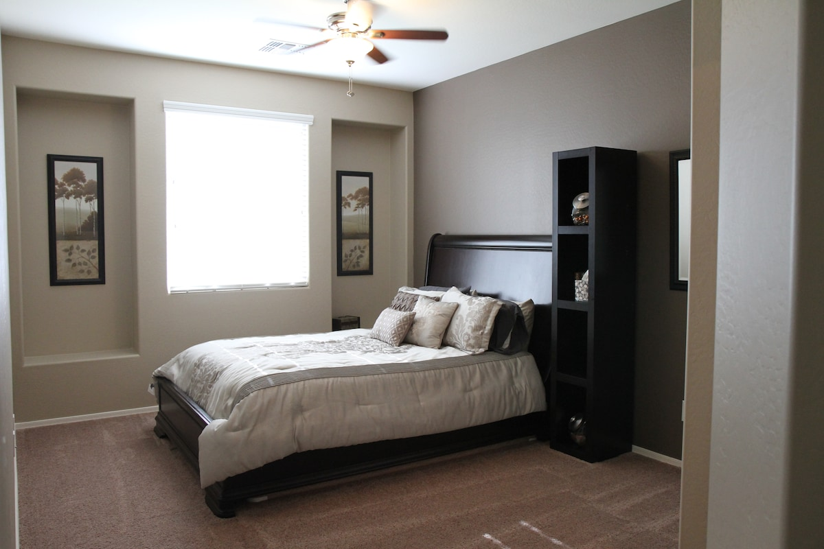 Queen Bed and Full Bath