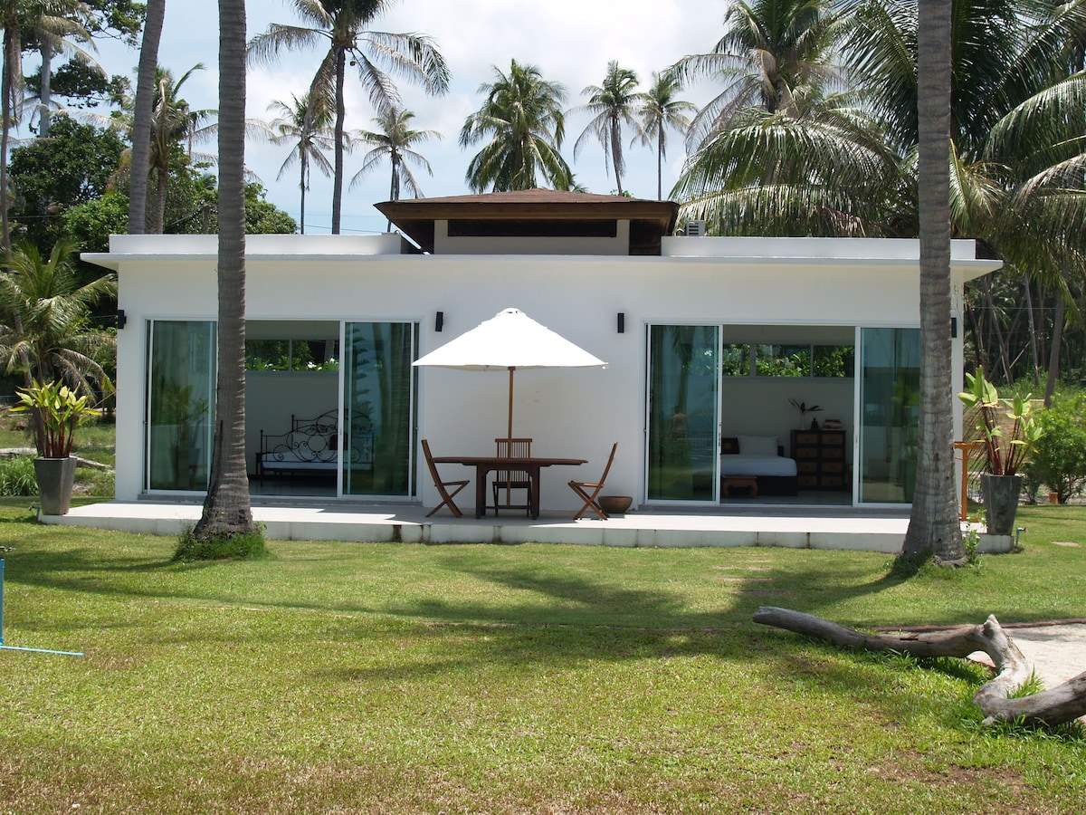 Gorgeous 2 Bedroom Beachfront Villa