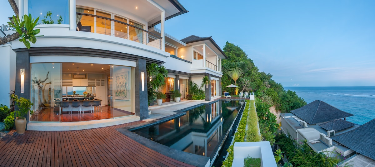 Amazing beach villa with ocean view