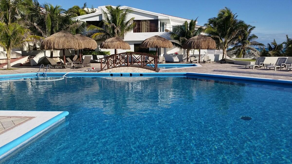 Suite in Cancun in the Hotel Zone!!