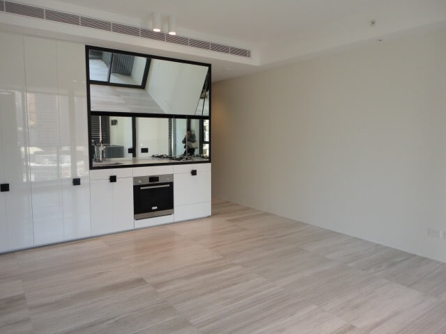 Beautiful new 1 bed. Heart of city