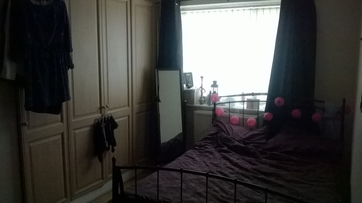 Large double room in spacious flat.