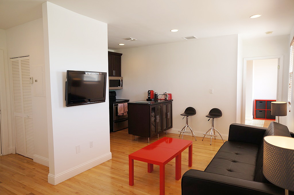 1br in design apartment middle SOBE