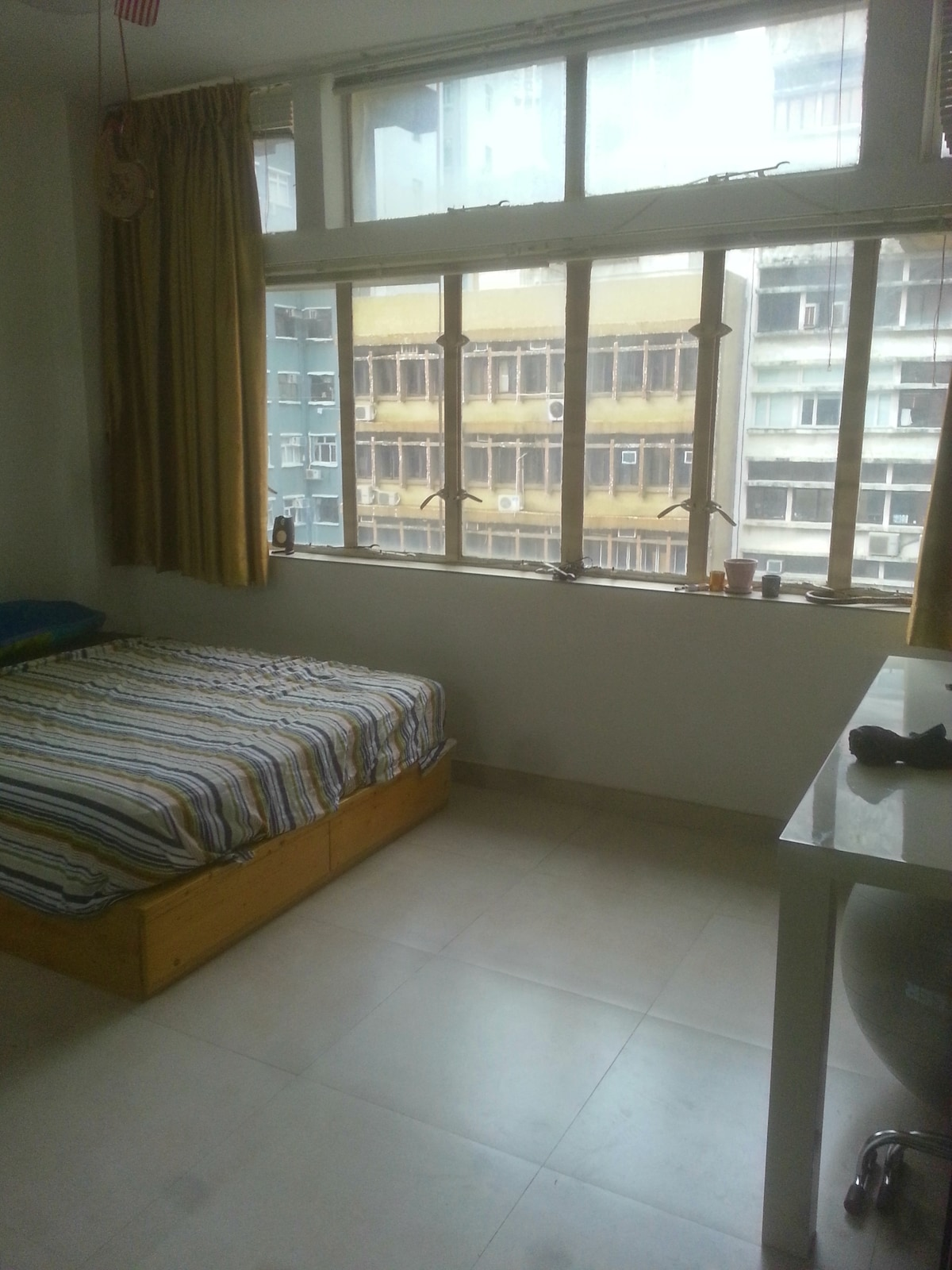Cosy, bright, furnished Sheung Wan
