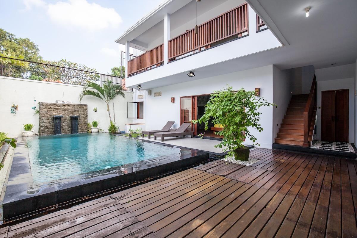 3BR Beautiful Villa & Swimming Pool