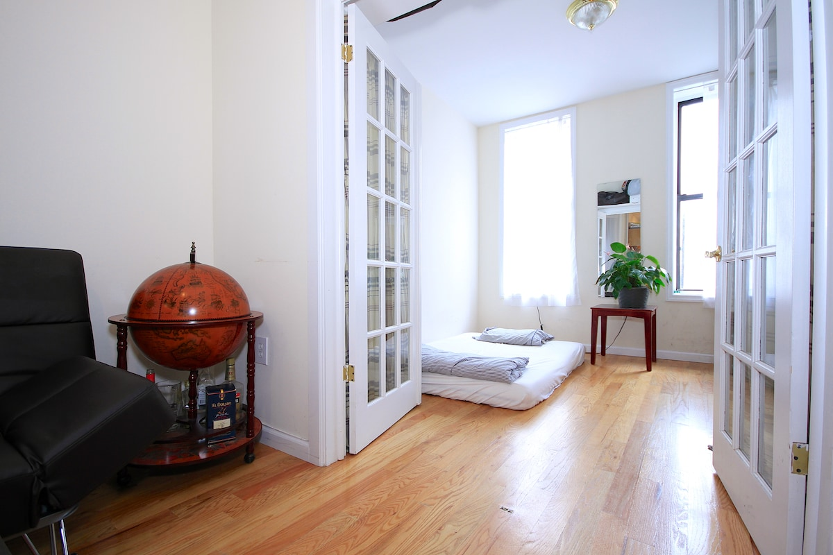 Awesome Sunlit 1 BR in Nolita/Soho
