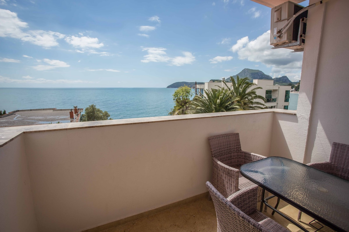La Vista, Sea View