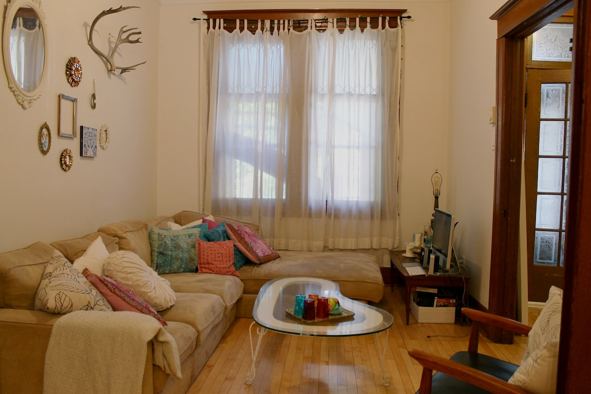 Spacious room in Plateau Mont-Royal