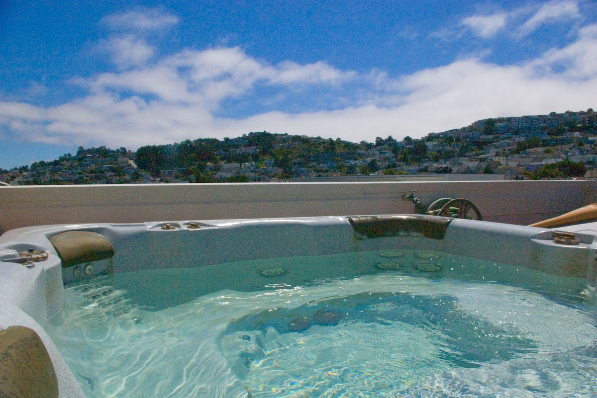 from the hot tub south towards Diamond Heights