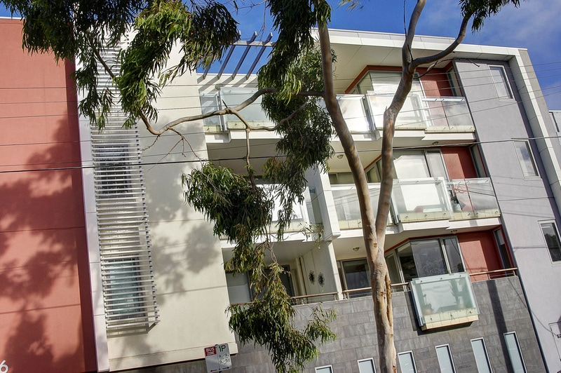 The apartment is first floor with balcony view east. The Geelong rail station is 5 minutes walk, the beach is 200 metres. Western beach almost in view.