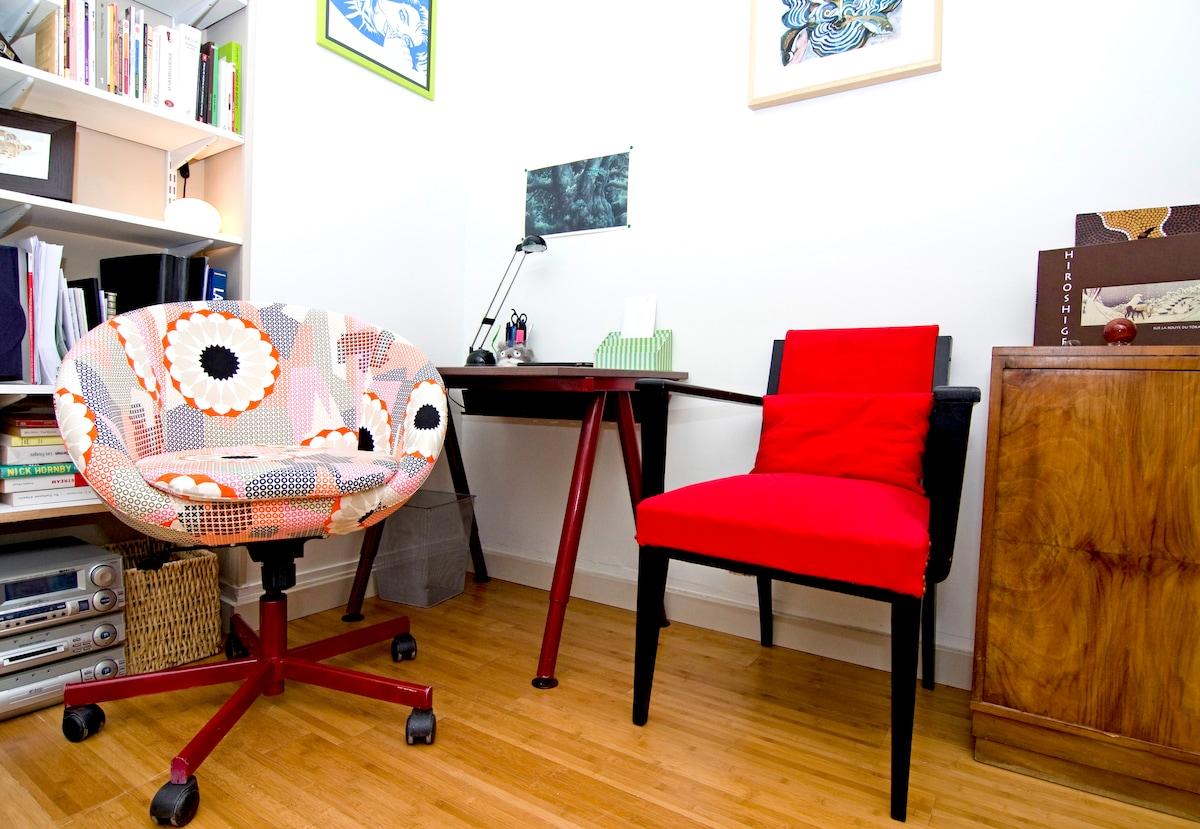 Sunny studio flat near Montparnasse