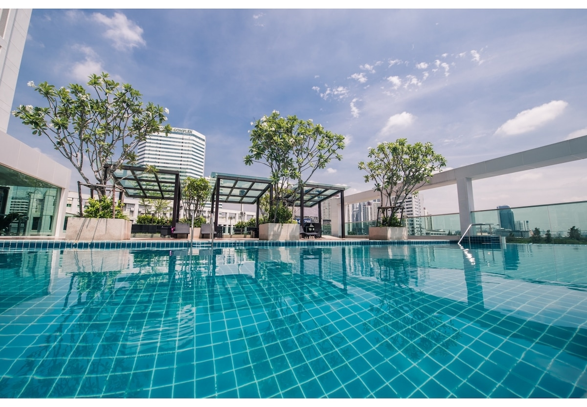 COZY /POOL VIEW/ MRT / RAMA9 / WIFI