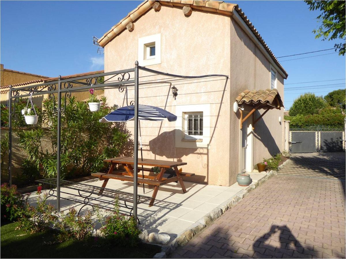 house near Avignon 4 people