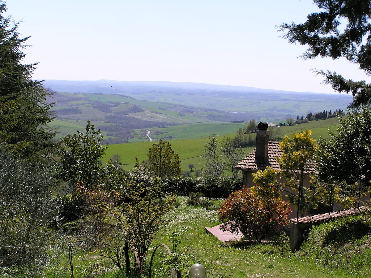 Tuscan retreat-privacy, views