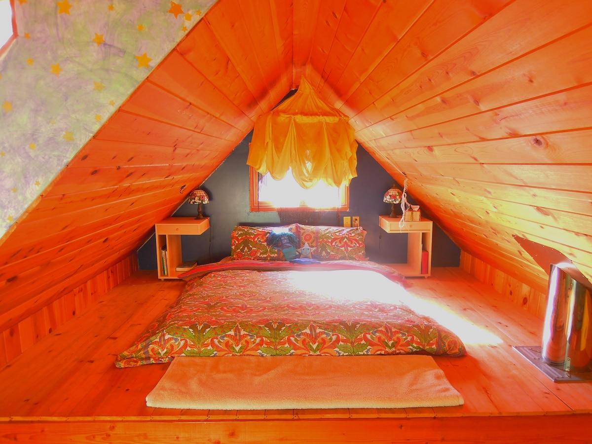 Eagles Nest Retreat Cabin - Hot tub