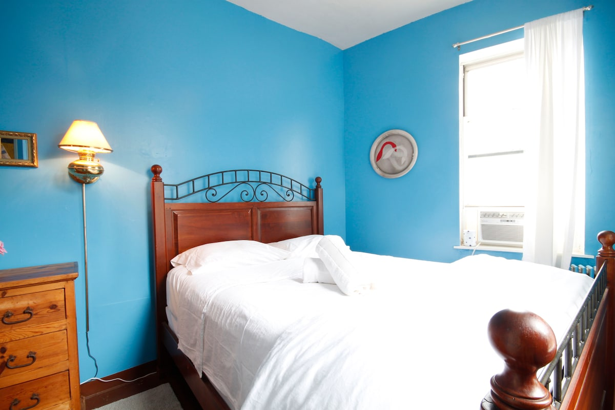 2 Rooms in Artist's Apt @ Bedford!