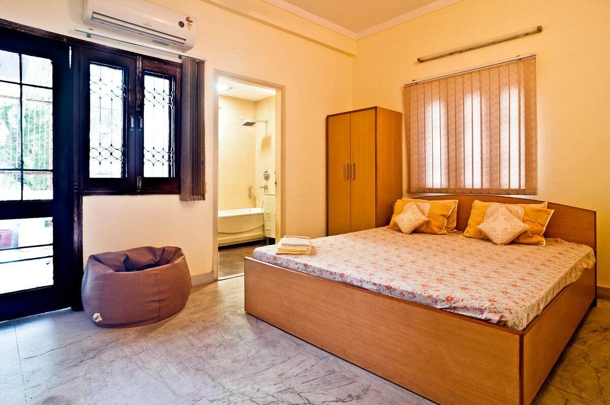 Room # 102 of BnB-Delhi
