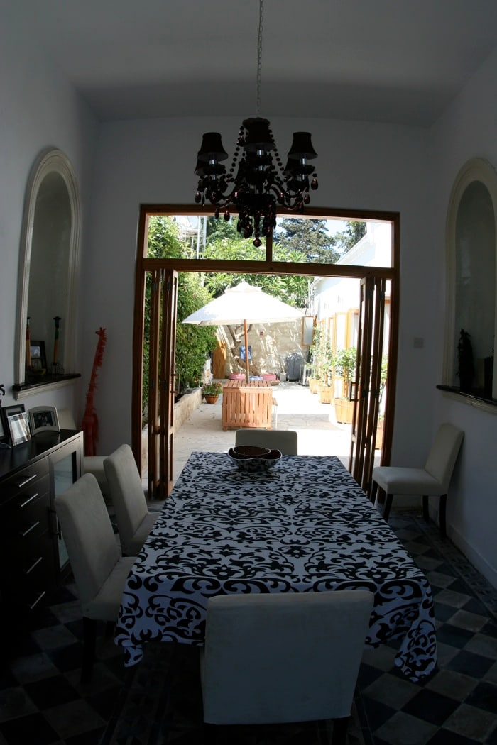 Through the dining room into the courtyard